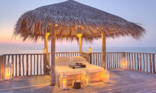 Gili-Lankanfushi-Family-Villa-Terrace-Bed