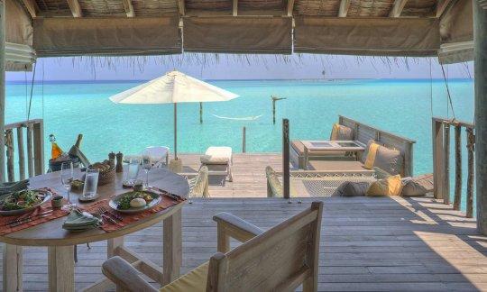Gili-Lankanfushi-Gili-Lagoon-Villa-Dining