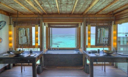 Gili-Lankanfushi-Maldives-Villa-Suite-Bathroom-View